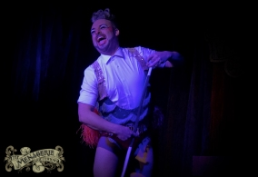 Mr Lola Illusion - Professional Show Off